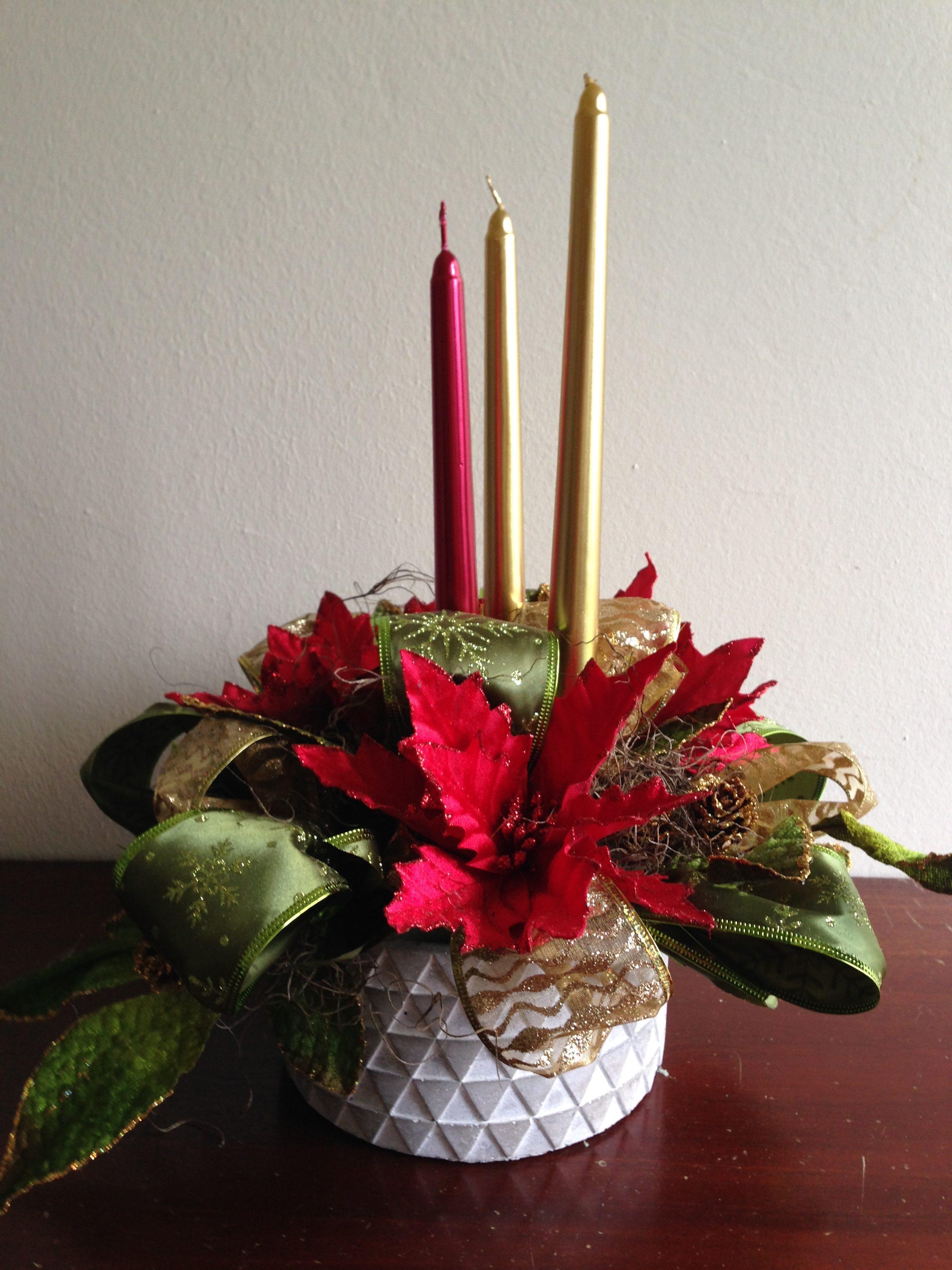 Arreglo navide o en base de cer mica con candelas - Arreglos navidenos para mesa ...