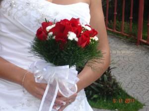 Bouquet de rosas con espárrago
